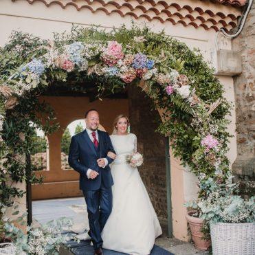 arcos de flores bodas rosarosam